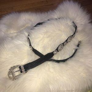Chelsea collections design black leather belt